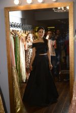 Karisma Kapoor at Amy Billimoria and Zevadhi Jewels launch on 22nd Aug 2016 (71)_57bc0cfd69ddc.JPG