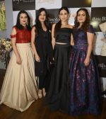Karisma Kapoor at Amy Billimoria and Zevadhi Jewels launch on 22nd Aug 2016 (80)_57bc0d06a2c52.JPG