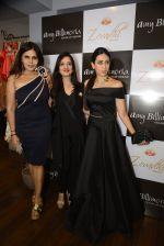 Karisma Kapoor at Amy Billimoria and Zevadhi Jewels launch on 22nd Aug 2016 (81)_57bc0d07891d1.JPG