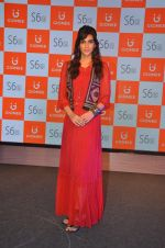 Kriti Sanon launches new mobile Gionee on 22nd Aug 2016 (3)_57bc0e77a1221.JPG