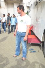 Sohail Khan snapped on 22nd Aug 2016 (13)_57bc1013868a0.JPG