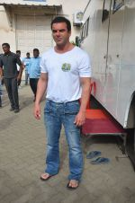 Sohail Khan snapped on 22nd Aug 2016 (16)_57bc1017b91a4.JPG