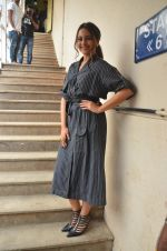 Sonakshi Sinha snapped in Mumbai on 22nd Aug 2016 (42)_57bc1095cc05a.JPG