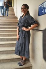 Sonakshi Sinha snapped in Mumbai on 22nd Aug 2016 (46)_57bc10a11ca45.JPG
