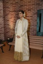 Sonam Kaspoor at IMC Ladies exhibition on 23rd Aug 2016 (11)_57bc11043098d.JPG