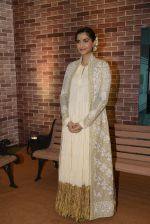 Sonam Kaspoor at IMC Ladies exhibition on 23rd Aug 2016 (16)_57bc110c5a6ae.JPG