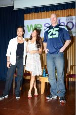 Jacqueline Fernandez, Tiger Shroff, Nathan Jones at The Flying Jatt promotions on 23rd Aug 2016 (302)_57bd52e976512.JPG