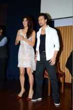 Jacqueline Fernandez, Tiger Shroff at The Flying Jatt promotions on 23rd Aug 2016 (235)_57bd539106ba6.JPG