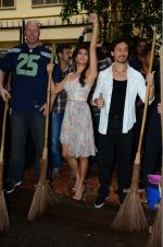 Jacqueline Fernandez, Tiger Shroff, Nathan Jones at The Flying Jatt promotions on 23rd Aug 2016 (215)_57bd53bbef87f.JPG