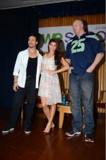 Jacqueline Fernandez, Tiger Shroff, Nathan Jones at The Flying Jatt promotions on 23rd Aug 2016 (313)_57bd53d5c0419.JPG