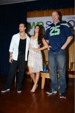 Jacqueline Fernandez, Tiger Shroff, Nathan Jones at The Flying Jatt promotions on 23rd Aug 2016 (314)_57bd53d7a17d4.JPG