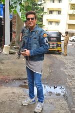 Jimmy Shergill snapped outside Miss Malini_s office on 23rd Aug 2016 (10)_57bd47cd1a5a6.JPG