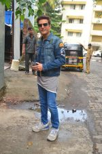 Jimmy Shergill snapped outside Miss Malini_s office on 23rd Aug 2016 (13)_57bd47d7336e5.JPG