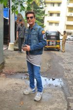 Jimmy Shergill snapped outside Miss Malini_s office on 23rd Aug 2016 (14)_57bd47deddeee.JPG