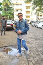 Jimmy Shergill snapped outside Miss Malini_s office on 23rd Aug 2016 (4)_57bd47ba95d28.JPG