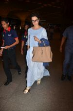 Kangana Ranaut snapped at airport on 23rd Aug 2016 (61)_57bd45d5c7895.JPG