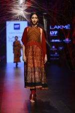 Model walk the ramp for Tarun Tahiliani Show at Lakme Fashion Week 2016 on 23rd Aug 2016 (117)_57bd3bc1a31a6.JPG