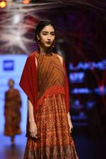 Model walk the ramp for Tarun Tahiliani Show at Lakme Fashion Week 2016 on 23rd Aug 2016 (120)_57bd3bcbbe458.JPG