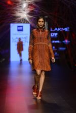 Model walk the ramp for Tarun Tahiliani Show at Lakme Fashion Week 2016 on 23rd Aug 2016 (134)_57bd3bf48a62d.JPG