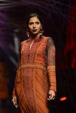 Model walk the ramp for Tarun Tahiliani Show at Lakme Fashion Week 2016 on 23rd Aug 2016 (138)_57bd3bfdcf8a8.JPG