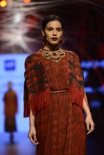 Model walk the ramp for Tarun Tahiliani Show at Lakme Fashion Week 2016 on 23rd Aug 2016 (109)_57bd3ba61195b.JPG
