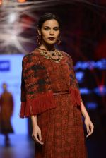 Model walk the ramp for Tarun Tahiliani Show at Lakme Fashion Week 2016 on 23rd Aug 2016 (110)_57bd3ba92277c.JPG
