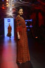 Model walk the ramp for Tarun Tahiliani Show at Lakme Fashion Week 2016 on 23rd Aug 2016 (112)_57bd3bade83a0.JPG