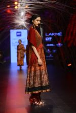 Model walk the ramp for Tarun Tahiliani Show at Lakme Fashion Week 2016 on 23rd Aug 2016 (122)_57bd3bd0e4740.JPG