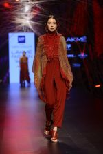 Model walk the ramp for Tarun Tahiliani Show at Lakme Fashion Week 2016 on 23rd Aug 2016 (155)_57bd3c2bb1825.JPG