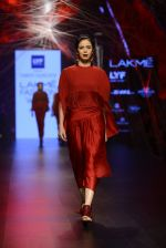 Model walk the ramp for Tarun Tahiliani Show at Lakme Fashion Week 2016 on 23rd Aug 2016 (50)_57bd3b07283e3.JPG