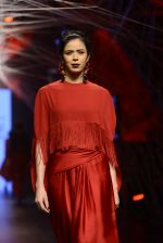 Model walk the ramp for Tarun Tahiliani Show at Lakme Fashion Week 2016 on 23rd Aug 2016 (51)_57bd3b09ab248.JPG