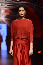 Model walk the ramp for Tarun Tahiliani Show at Lakme Fashion Week 2016 on 23rd Aug 2016 (53)_57bd3b0e2c4c5.JPG