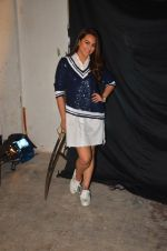 Sonakshi Sinha snapped post Siddharth Kanan_s interview on 23rd Aug 2016 (9)_57bd5ed7080a7.JPG