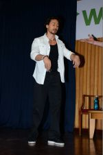 Tiger Shroff at The Flying Jatt promotions on 23rd Aug 2016 (122)_57bd53e650f6d.JPG