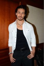 Tiger Shroff at The Flying Jatt promotions on 23rd Aug 2016 (136)_57bd540bdf003.JPG