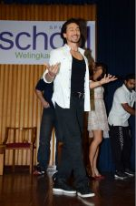 Tiger Shroff at The Flying Jatt promotions on 23rd Aug 2016 (139)_57bd54107c550.JPG