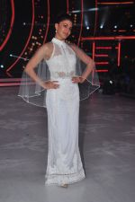 Jacqueline Fernandez on the sets of jhalak dikhhla jaa 9 on 24th Aug 2016 (161)_57bec2499dbf9.JPG