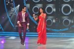 Katrina Kaif and Sidharth Malhotra promote Bar Bar Dekho on the sets of jhalak dikhhla jaa 9 on 24th Aug 2016 (164)_57bec379426f6.JPG