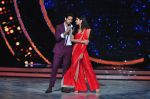 Katrina Kaif and Sidharth Malhotra promote Bar Bar Dekho on the sets of jhalak dikhhla jaa 9 on 24th Aug 2016 (204)_57bec38aee48c.JPG