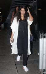 Rhea Kapoor snapped at Hakassan on 24th Aug 2016 (4)_57bebaf84efec.JPG