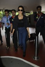 Shraddha Kapoor back from cape town on 24th Aug 2016 (26)_57beb58e19ae3.JPG
