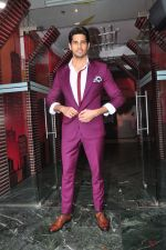 Sidharth Malhotra promote Bar Bar Dekho on the sets of jhalak dikhhla jaa 9 on 24th Aug 2016 (232)_57bec30c41499.JPG