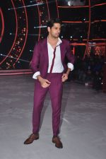 Sidharth Malhotra promote Bar Bar Dekho on the sets of jhalak dikhhla jaa 9 on 24th Aug 2016 (240)_57bec321f3d4d.JPG