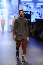 at Gen Next Show at Lakme Fashion Week 2016 on 24th Aug 2016 (45)_57beb733d3eb0.JPG