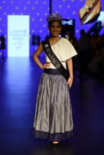 at Gen Next Show at Lakme Fashion Week 2016 on 24th Aug 2016 (3)_57beb66fb38c5.JPG