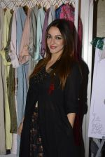Nauheed Cyrusi snapped at designer Urvee Adhikari stall at Lakme fashion week on 25th Aug 2016 (59)_57bff58573efb.JPG