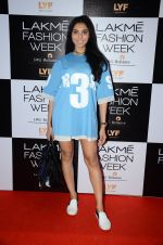 Perina Qureshi at Lakme Fashion Week 2016 Day 2 on 25th Aug 2016 (102)_57c00af6a916a.JPG