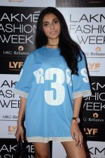 Perina Qureshi at Lakme Fashion Week 2016 Day 2 on 25th Aug 2016 (96)_57c00adde1299.JPG