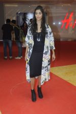 Pooja Hegde at H & M store launch at Phoenix Market City on 25th Aug 2016 (47)_57bff51045faa.JPG