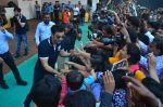 Ranbir Kapoor during the Mumbai City FC Dahi Handi Utsav at Shahaji Raje Bhosle Kreeda Sankul on 25th Aug 2016 (101)_57bff96b43880.JPG